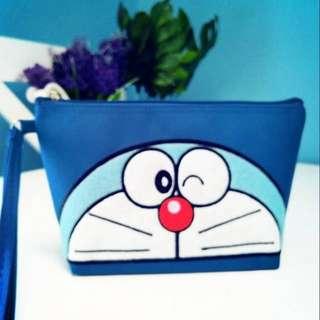 Dompet makeup Doraemon