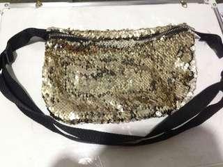 Reversible belt bag or waist bag