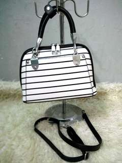 Stripe black white
