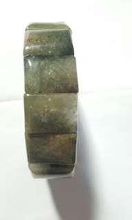 綠髮晶水晶手排,$160。
