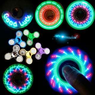 🚚 LED閃字圖案發光指尖陀螺  開關3檔指尖陀螺