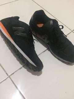 Sepatu New Balance 373