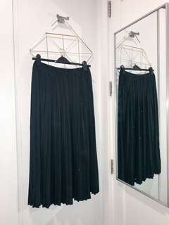 NEVER USED PLEATED MAXI SKIRT