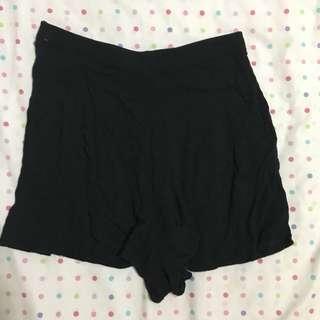 COTTON ON Black Flowy Shorts