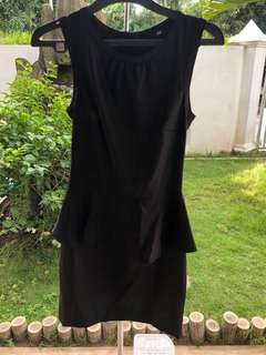 Dress peplum hitam