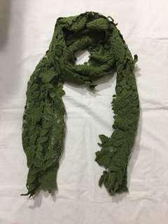 深綠頸巾Green Scarf