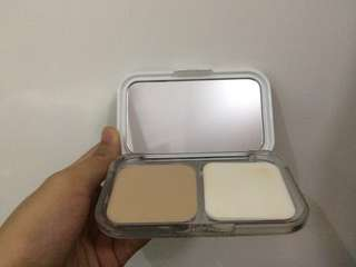 Maybelline White Superfresh Powder Foundation in Natural Beige