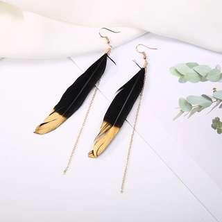 (INSTOCK) Bohemian Black Gold Feather Chain Dangle Earrings