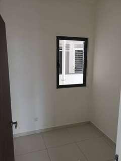 Small room to rent -Season garden residence