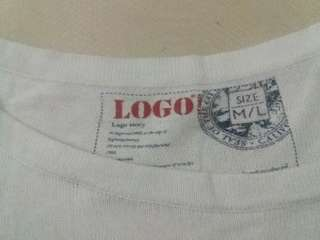 Sweater stripped white black merk logo