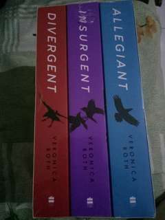 1Set Divergent Insurgent Allegiant (Veronica Roth) New
