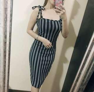 Selftie Straight Neck Midi Dress