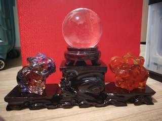 🚚 Liuli elephant and crystal ball with stand