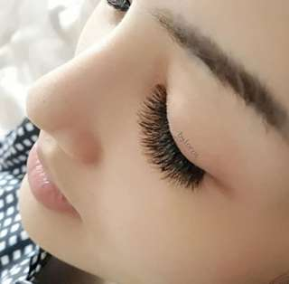 Eyelash extension home service