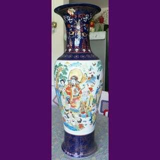 Classical Chinese large Porcelain Vase
