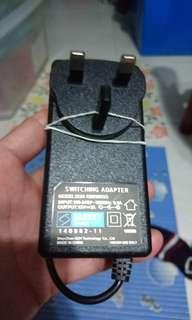 "Akira tv 20"" led power adapter"