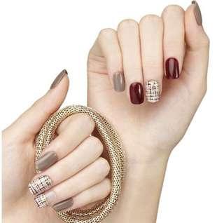 🚚 Dashing Diva Red Series Press On Nails