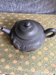 八十年代黑岗砂浮出雕龙鳯壶