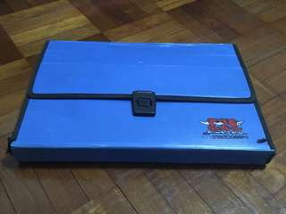 Plastic Carrier Box (Saintograph)