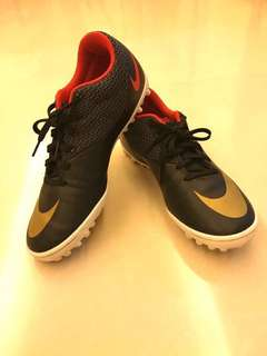 Nike soccer shoes (grass pitch)