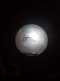 IT cosmetics Finishing powder