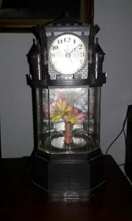Decorative light w clock