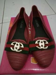 Sepatu anak perempuaan