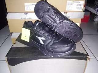 Sepatu Original Diadora Datto (M) Black DIAX7F0903BL
