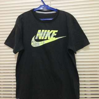 NIKE SHIRT (BLACK)  USED BUT NOT ABUSED