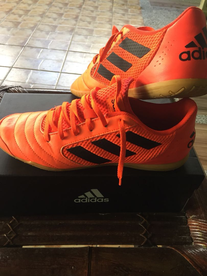 Adidas Sala Futsal Shoes, Sports, Athletic & Sports Clothing