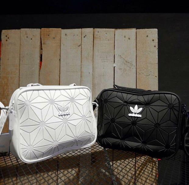 d92cc1ae8542 Adidas sling bag