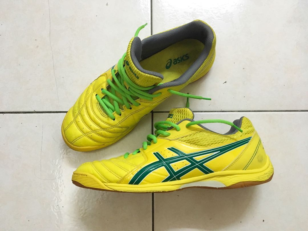 2845b5b8ab04d Asics Calcetto FS Futsal Shoes