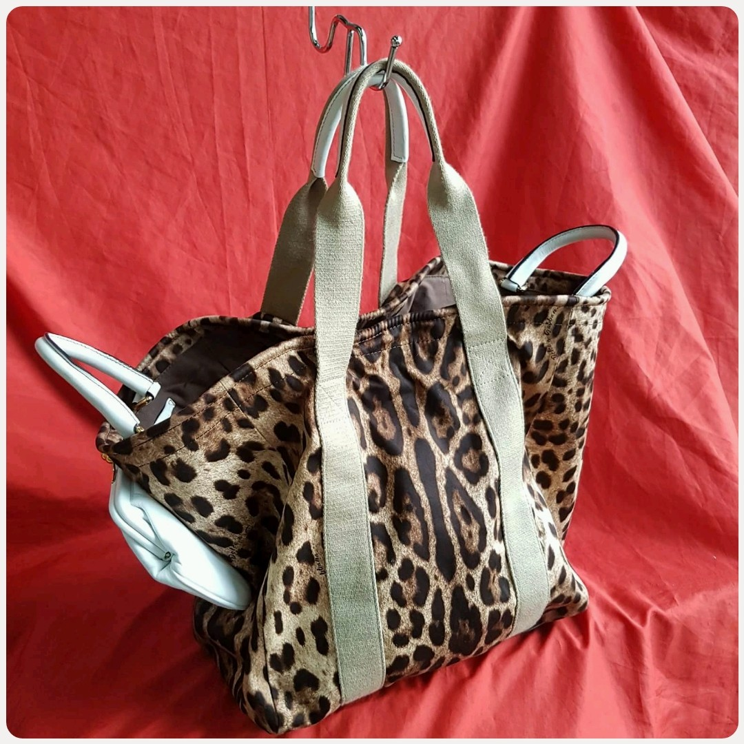 0aaa590fe2ce ✓D&G DOLCE & GABBANA BAG LEOPARD PRINT SHOPPERS TOTE BAG, Luxury, Bags &  Wallets on Carousell