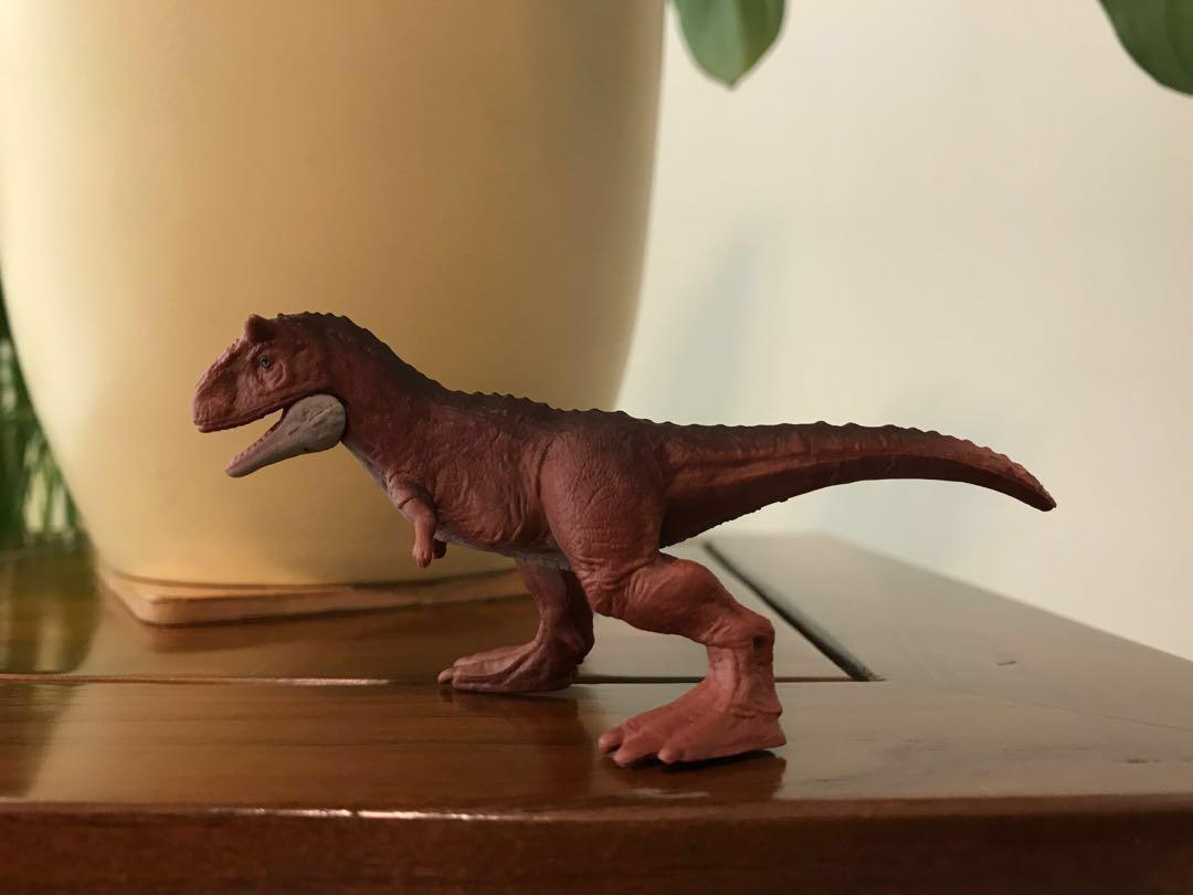 Jurassic World Carnotaurus, Toys & Games, Bricks & Figurines