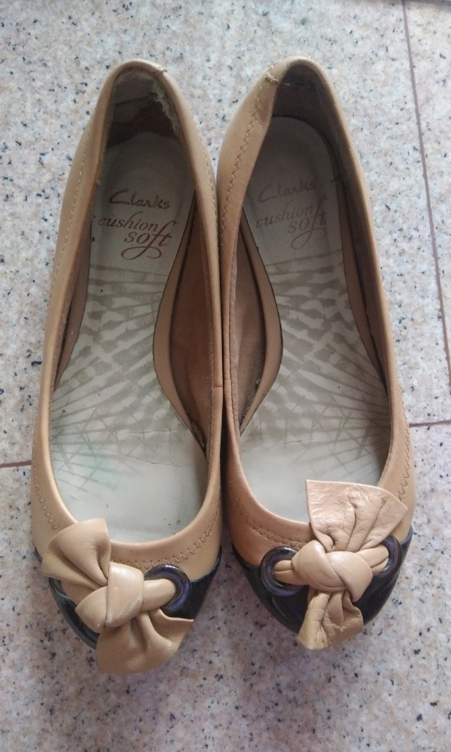 08a6ac627 PL Clarks Flats, Women's Fashion, Shoes, Flats & Sandals on Carousell