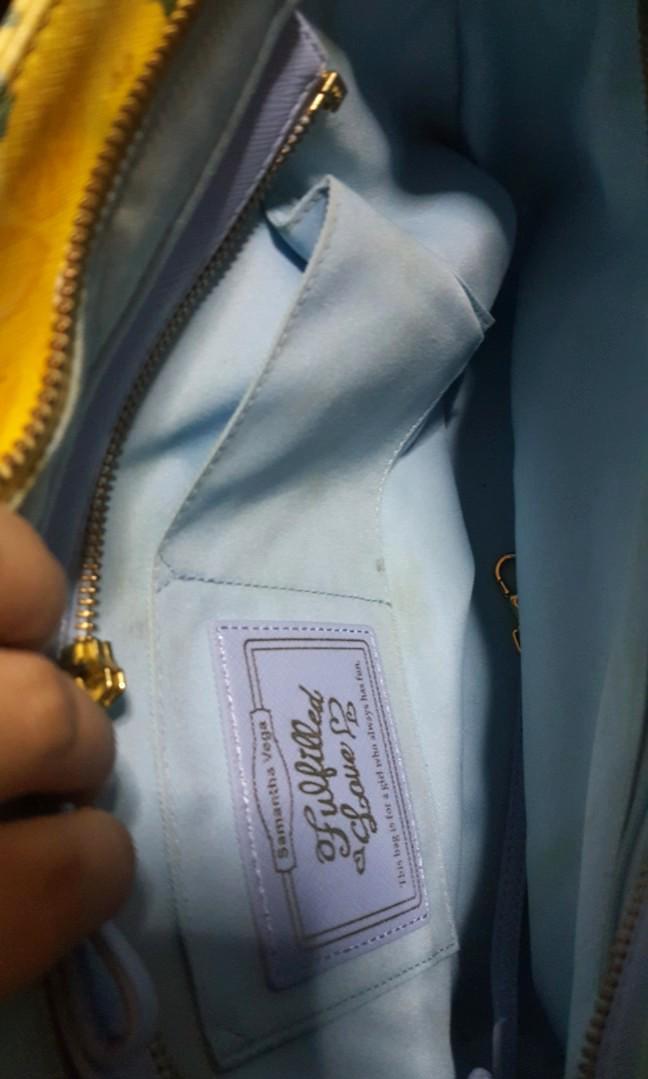Samantha Thavasa Japan Handbag with detachable holder