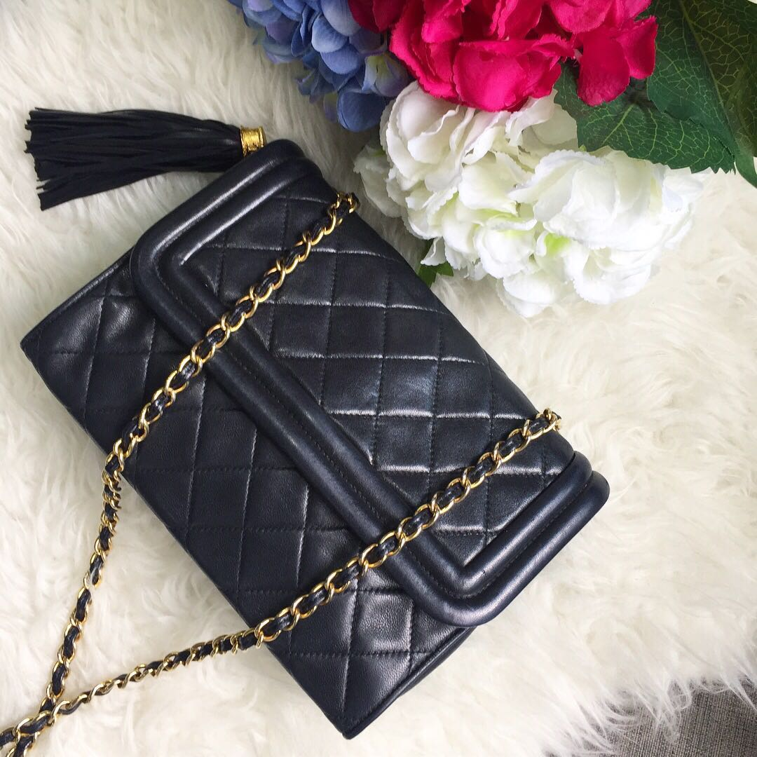 a08c5c0cc9d Withdrawn** Superb Price for a Beautiful Piece!💕 Chanel Vintage ...