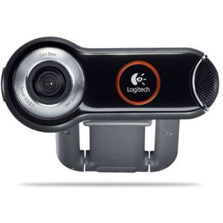 🚚 Almost New Logitech Webcam Pro 9000 PC Internet Camera with Carl Zeiss Lens Optics, Built in Noise Cancellation Microphone for Business and 2.0-Megapixel Video Resolution