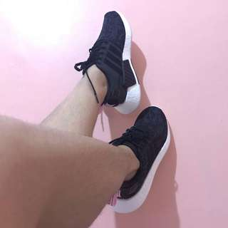 Authentic Adidas NMD R2⚡️NEW‼️