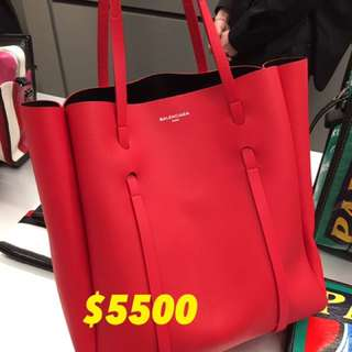 Balenciaga everyday tote bag in red