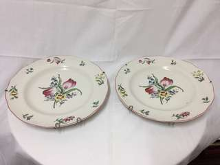 A pair of decorative plates