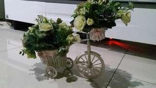Bike Vase Shabby Chic Bunga Mawar Putih #KanopiXCarousell