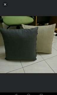 Pillows for car車枕頭 (only grey colour)