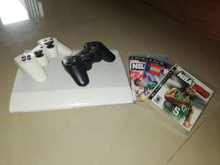 Ps3 slim 500 gb with 3 cds