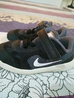 Nike Revolution 3 Kids