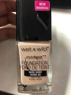 🚚 Wet'n wild粉底液