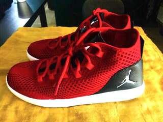 Jordan Reveal Size 10.5 Brand New Orig