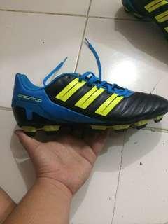 Adidas predator bola