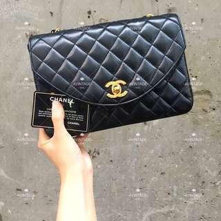 Chanel Vintage 黑色羊皮 Curve Flap Bag