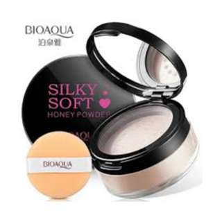 Silky Natural Color  Pressed Face Powder  (15g)